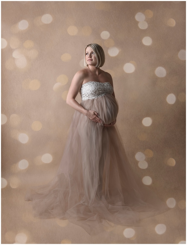 studio maternity photo
